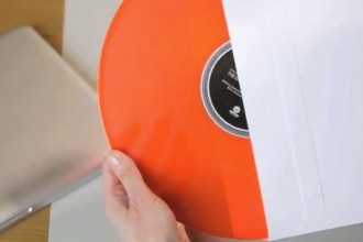Kontor-Records-Back-to-vinyl-The-Office-Turntable_film-YouTube-2